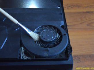 Jak rozebrat a vyčistit PS4 Pro od prachu 3