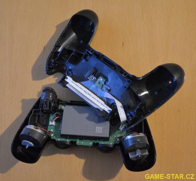 Jak rozebrat PS4 gamepad Dualshock V2 - 3