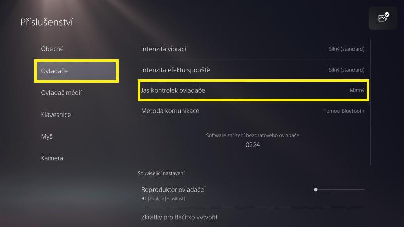 Jak snížit jas na PS5 ovladači DualSense